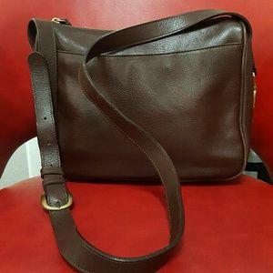 Liz Claiborne classic leather purse